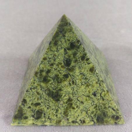 Wonderful PYRAMID in Serpentine LIZARDITE BIG MINERALS Crystal Healing A+-1