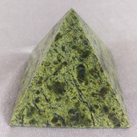 Wonderful PYRAMID in Serpentine LIZARDITE BIG MINERALS Crystal Healing A+-2