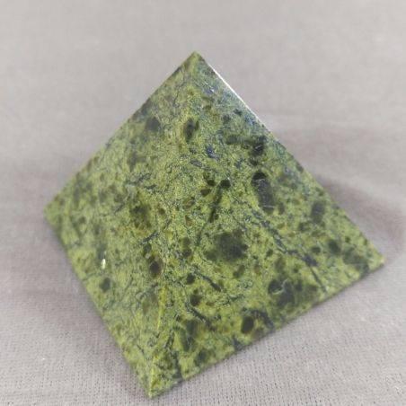 Wonderful PYRAMID in Serpentine LIZARDITE BIG MINERALS Crystal Healing A+-5