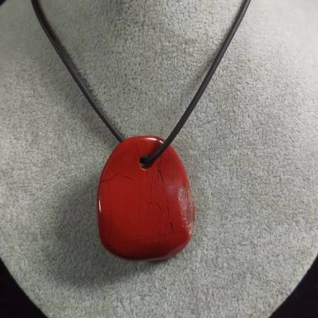 Pendant in RED Jasper Leaf Necklace Tumbled Stone Crystal Healing Chakra A+−3