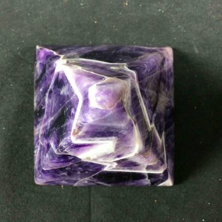 MINERALS * AMETHYST Dogthoot PYRAMID Gemstone Healing Feng Shui 7x7cm−3